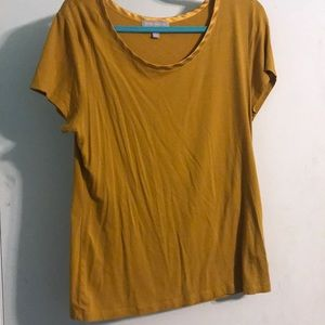 Mustard colored shortsleeved top